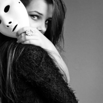 girl_mask_face_style_86367_2560x1600